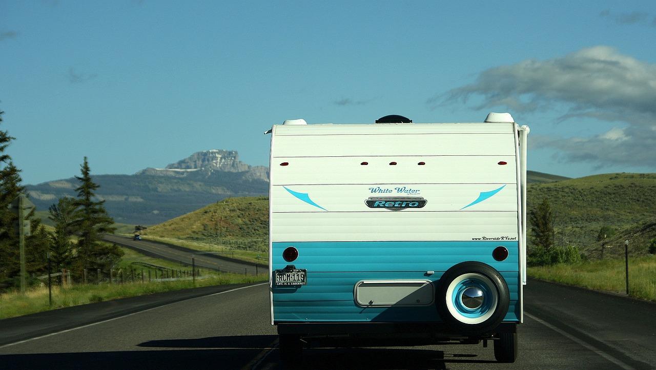 Camping-car couvre feu